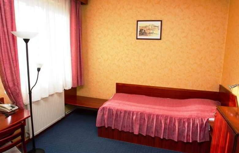 Classic - Room - 16