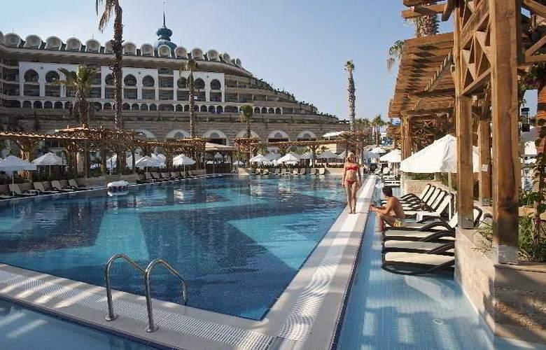 Crystal Sunset Luxury Resort & Spa - Pool - 16