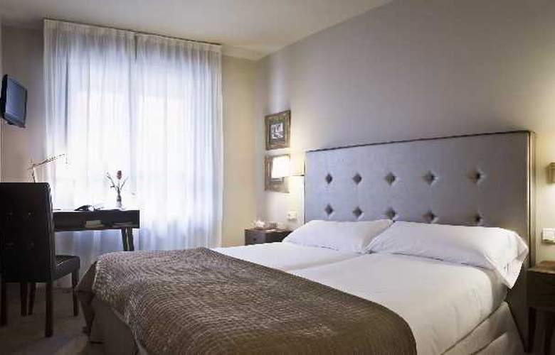 Pamplona Plaza - Room - 11