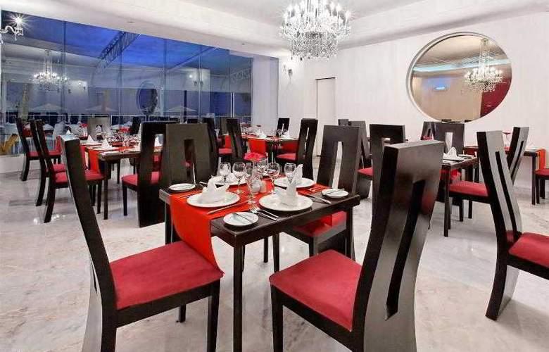 Crowne Plaza Resort Mazatlan - Restaurant - 48