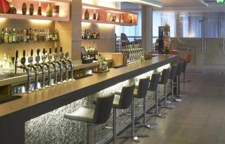 Hilton Dublin Kilmainham - Bar - 4