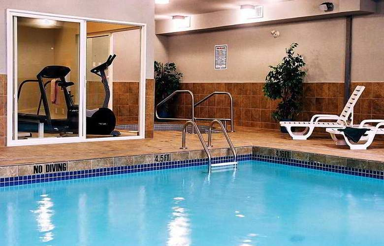 Best Western Plus King George Inn & Suites - Pool - 5
