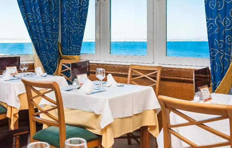 Globales Club Almirante Farragut - Restaurant - 58