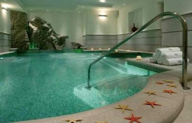 Raito - Pool - 6