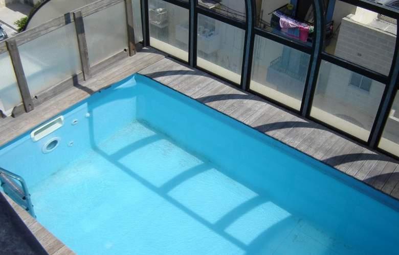 Esmeralda Club - Pool - 1