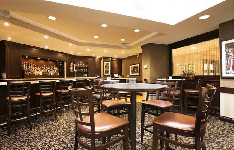 Best Western Brant Park Inn & Conference Centre - Restaurant - 109