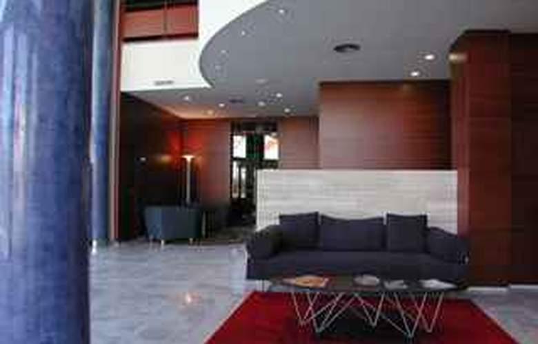 Universidad - Hotel - 0