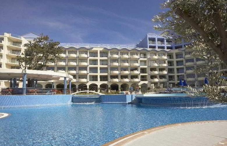 Atrium Platinum Resort Hotel & Spa - Pool - 6