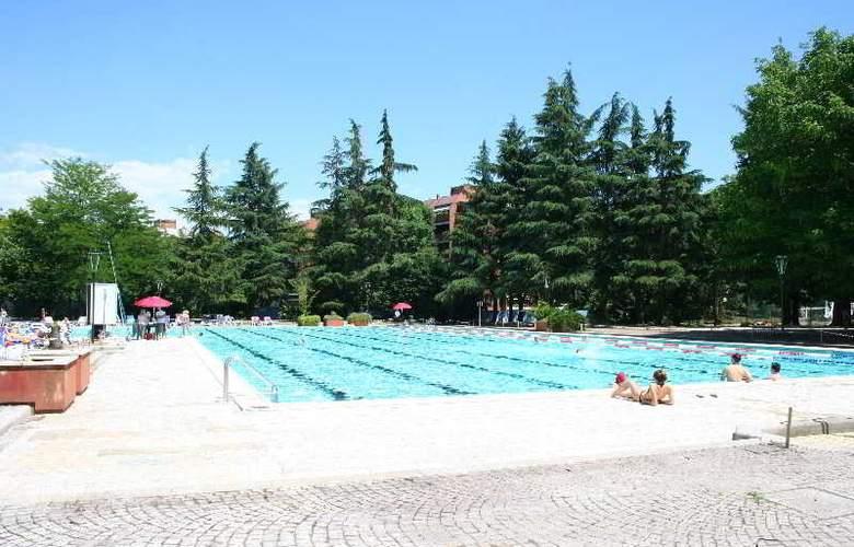 Excel Milano 3 Hotel - Pool - 12