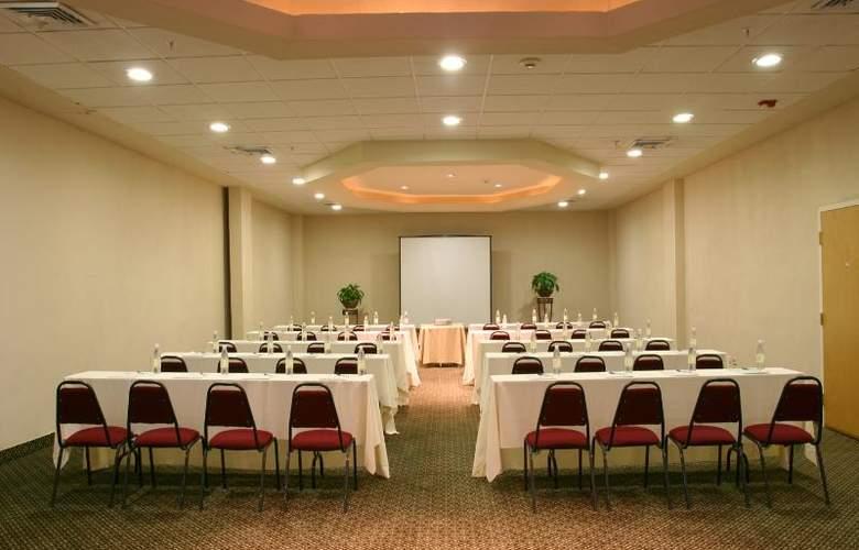 Antarisuite Galerías - Conference - 12