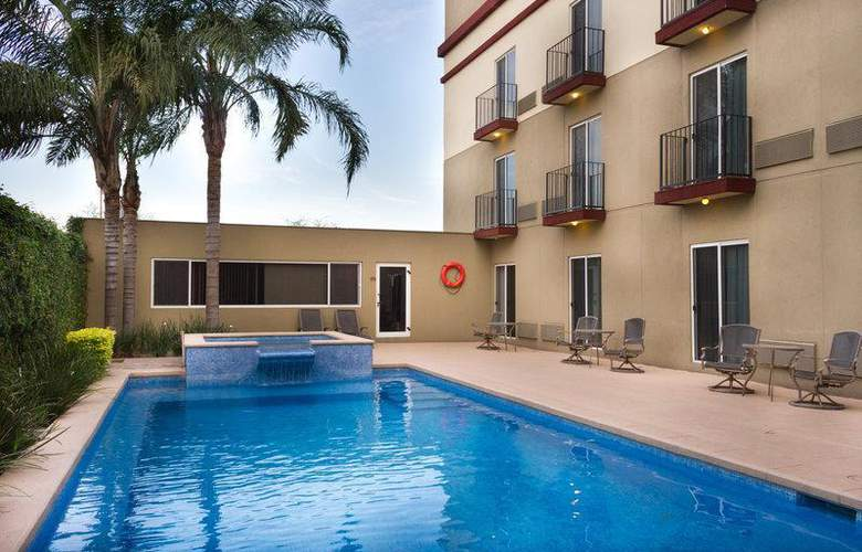 Best Western Monterrey Aeropuerto - Pool - 53