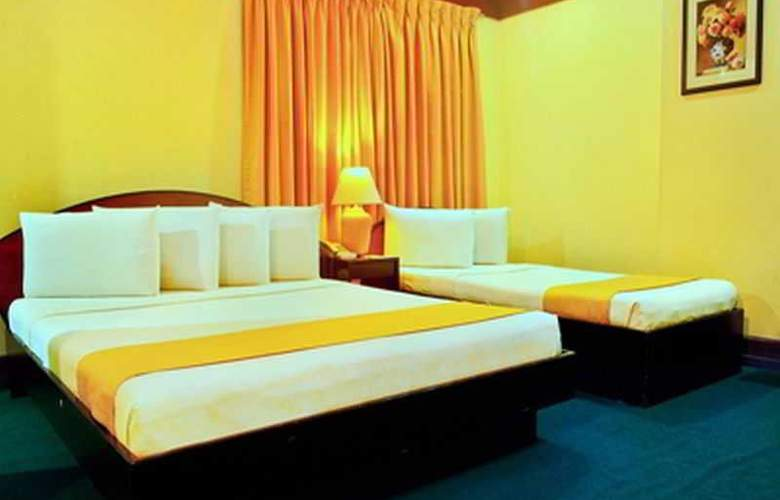Paragon Suites - Room - 15