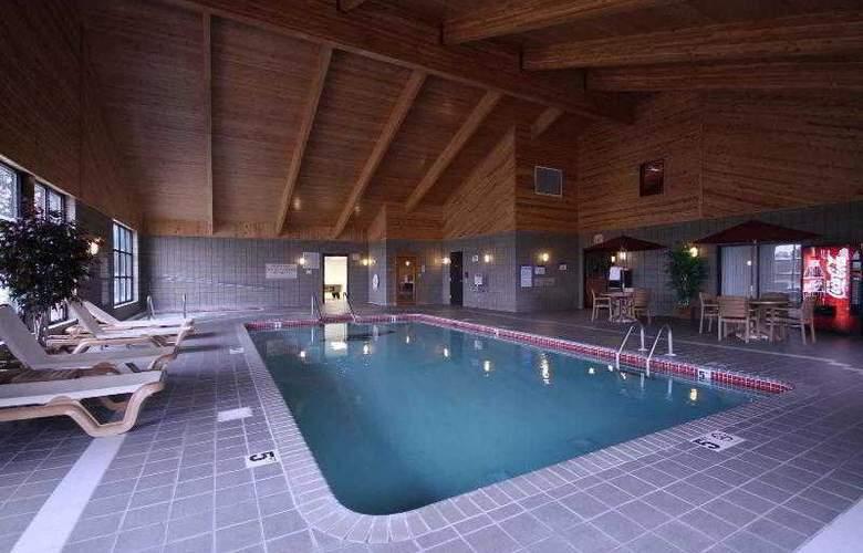 Achat Hotel Frankfurt Ruesselsheim - Pool - 24