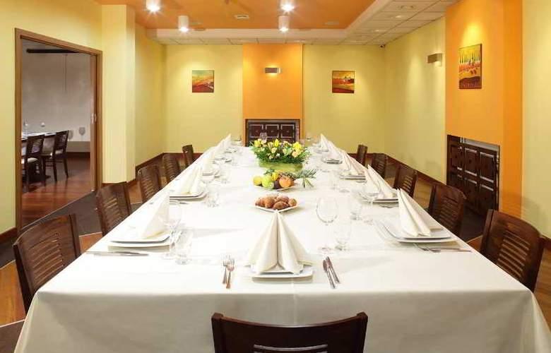 Ascot - Restaurant - 26