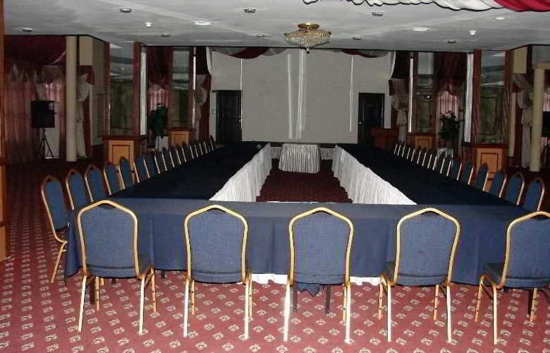 Le Grande Plaza - Conference - 7