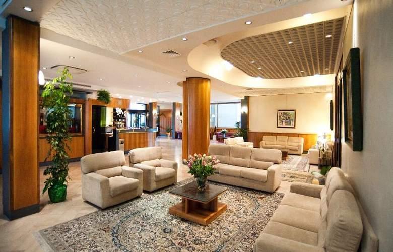 Minerva Arezzo - Hotel - 3