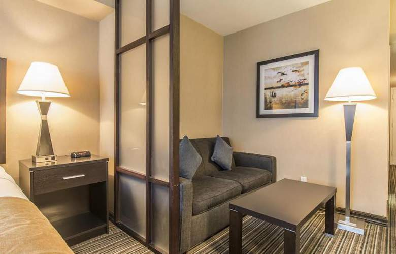 Comfort Suites Downtown - Room - 2