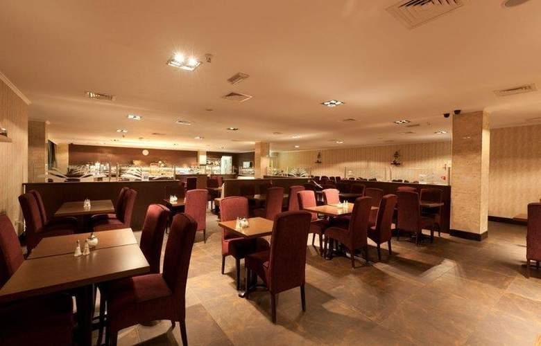 XO Hotels Blue Square - Restaurant - 4