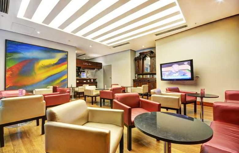 San Fernando Plaza - Bar - 30