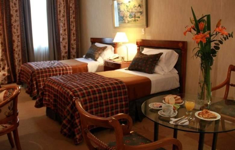 Mayflower Suites - Room - 2