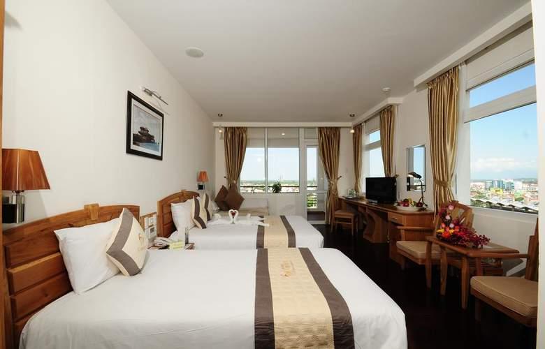 Romance Hotel Hue - Room - 10