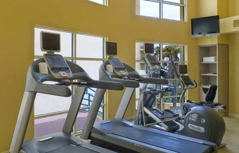 DoubleTree Suites by Hilton Hotel Doheny Beach - Sport - 11