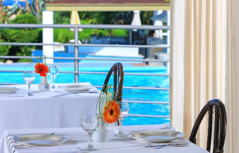 Santa Marina Beach - Restaurant - 9
