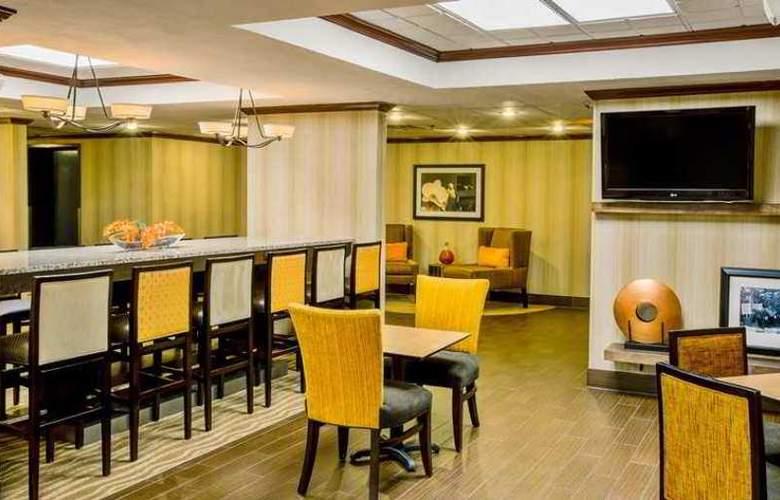 Hampton Inn Parkersburg - Hotel - 1