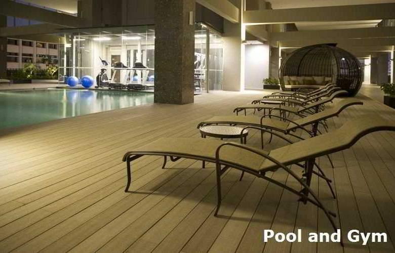 V Hotel Lavender - Pool - 12