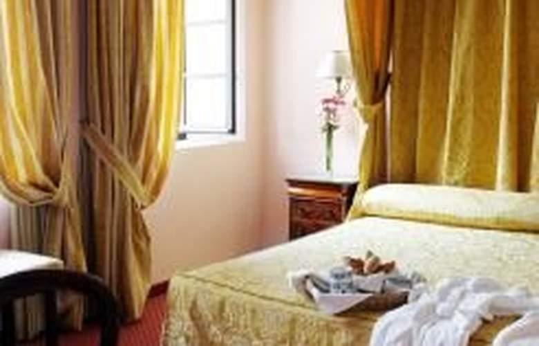 Duques de Medinaceli - Room - 3