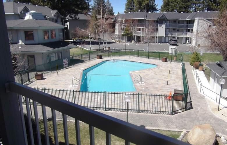 The Beach Retreat & Lodge at Tahoe - Pool - 7