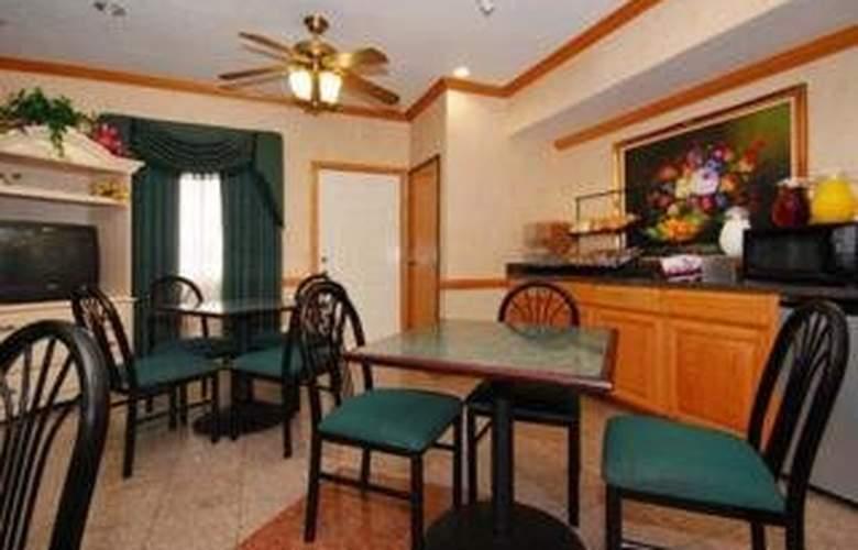 Econo Lodge & Suites - Restaurant - 5