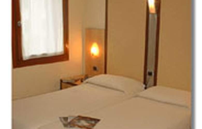 DOLOMITI - Hotel - 1