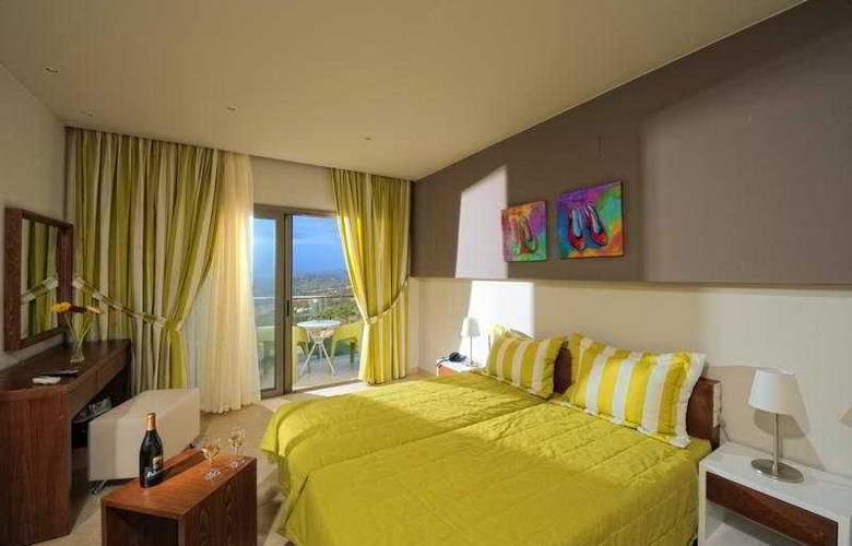 Royal Heights Resort - Room - 4