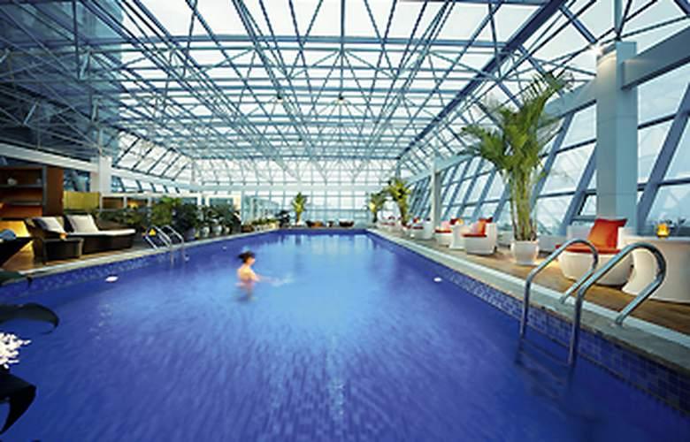 Novotel Zhengzhou Convention Centre - Pool - 3