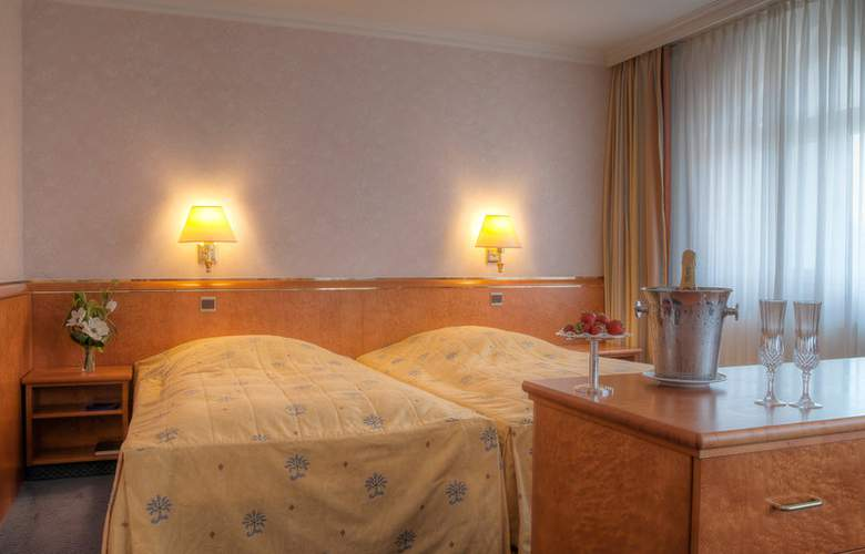 Best Western Ambassador Hotel Bosten - Room - 1