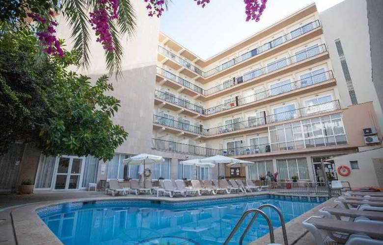 Las Arenas - Hotel - 11