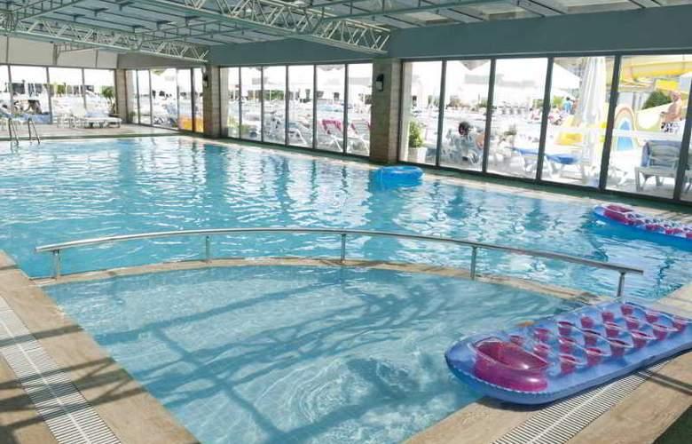 Diamond Beach Hotel - Pool - 22