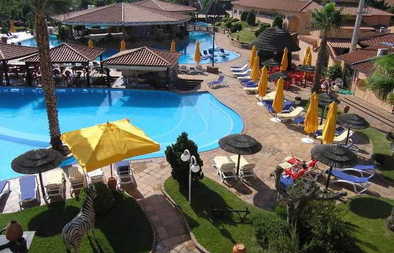 O Alambique de Ouro Hotel Resort - Pool - 7