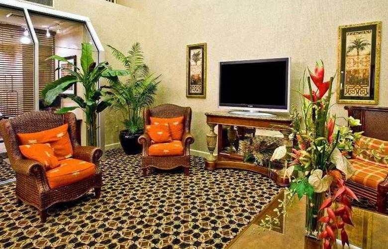Holiday Inn Express Brandon Tampa - General - 1