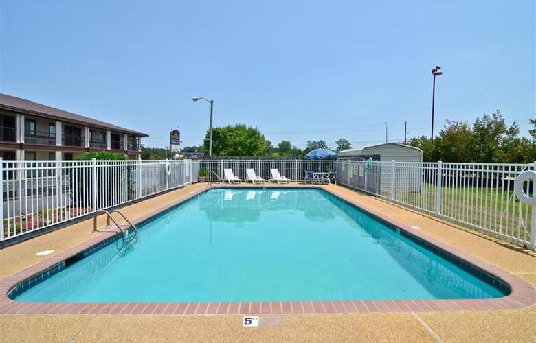Best Western Ripley - Pool - 49