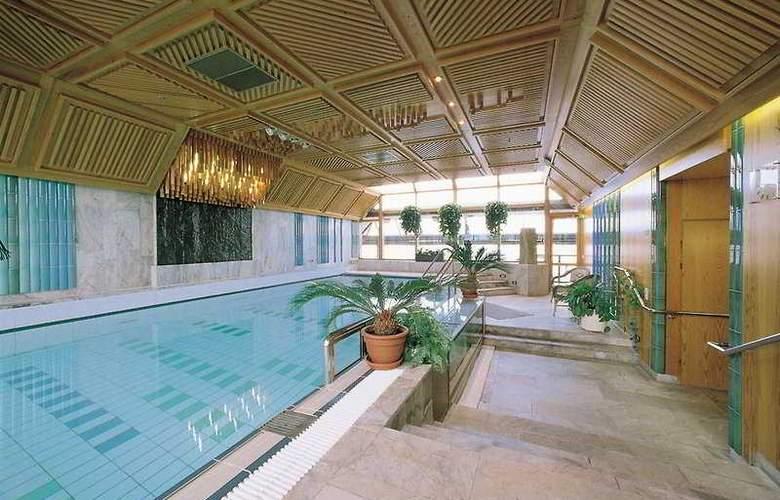 Hilton Helsinki Strand - Pool - 4