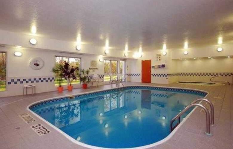 Fairfield Inn & Suites Canton - Hotel - 15