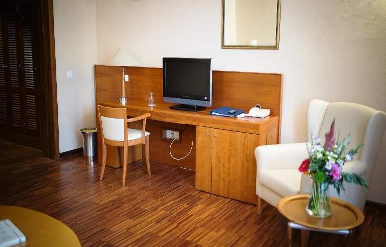 Hotel Escuela Santa Cruz - Room - 18