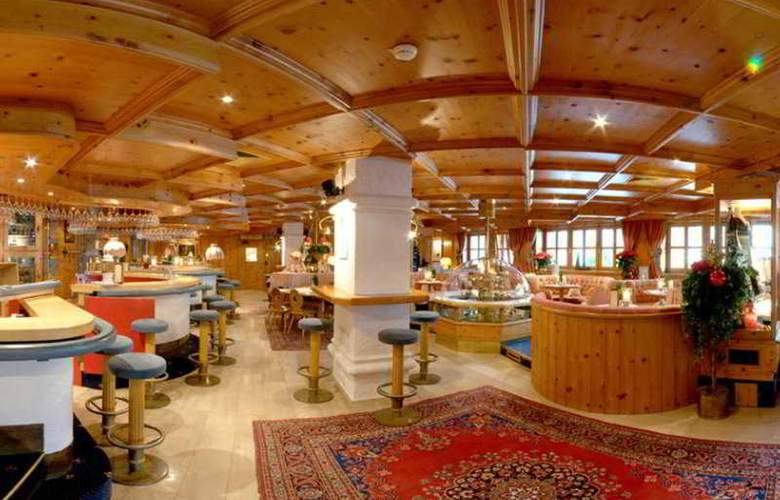 Alpenhotel Saalbach Hotel - Bar - 7