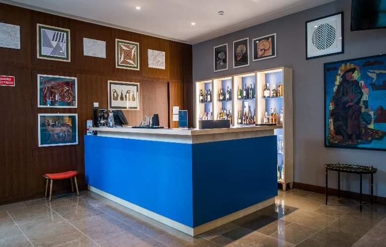 The Artist Porto Hotel & Bistro - Bar - 31