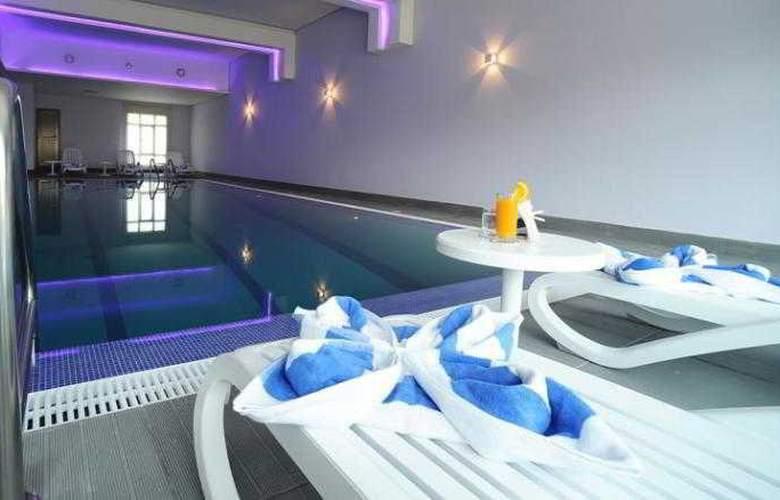 Best Western Mahboula Kuwait - Pool - 13