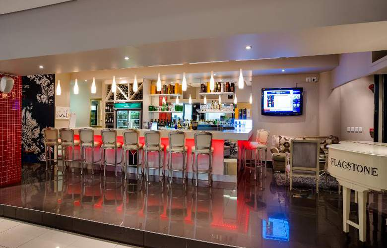 The Rockwell All Suite Hotel - Bar - 15
