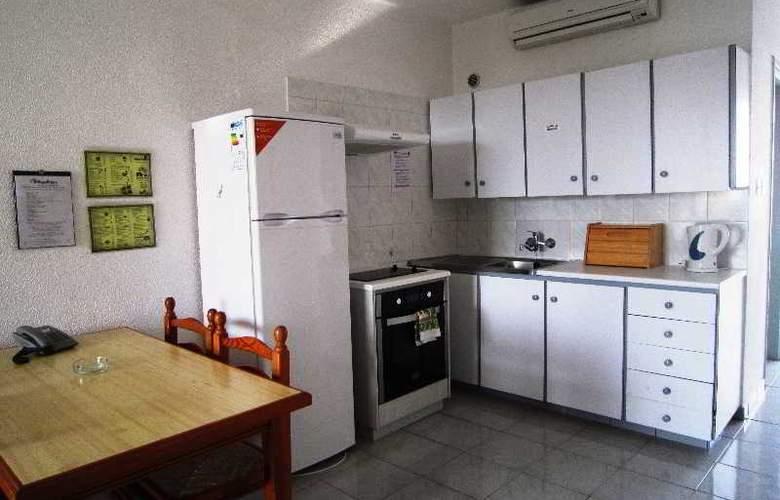 Napa Prince Hotel Apartments - Room - 10