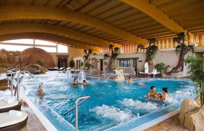 Grand Hotel Callao - Pool - 5